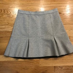 NWOT Madewell flouncy skirt. Perfect condition!